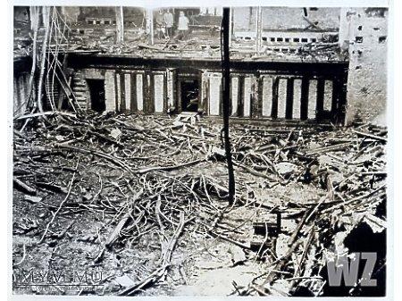 Duże zdjęcie 1933. Spalony Reichstag