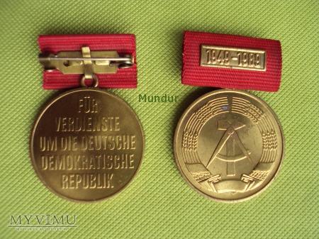 Medal 40 lecia NRD