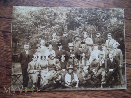 Przedwojenne zdjęcie grupowe