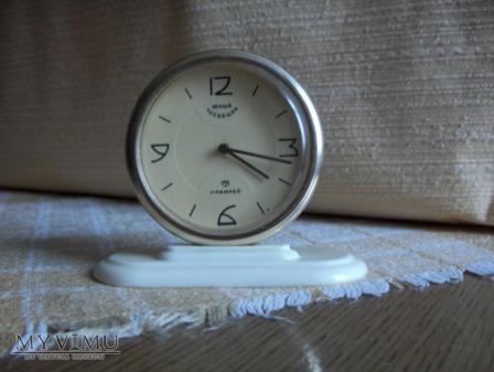 Rosyjski zegarek stojący, ale nie budzik