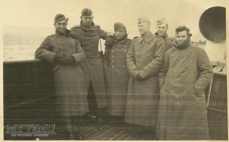 Niemieccy żołnierze na statku