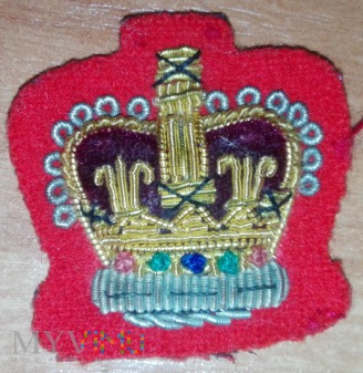 Army arm rank crown on scarlet