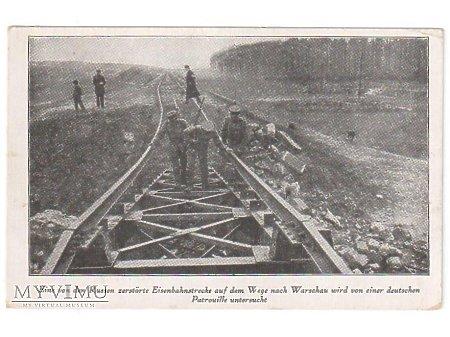 Duże zdjęcie zniszczony most kolejowy w nieznanym miejscu