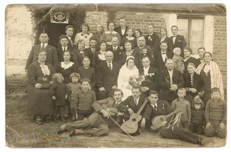 Duże zdjęcie Sczęść Boże Młodej Parze rok1930