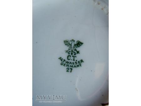 Filiżanka z monogramem RK (?)