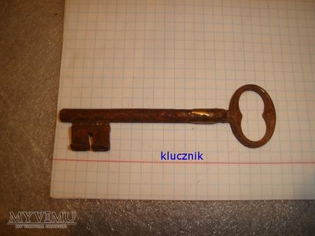 klucz 016