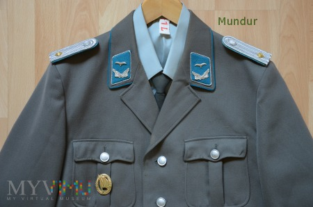 Mundur oficera młodszego lotnictwa NRD