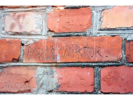 """Duże zdjęcie """"Stara Prochownia"""" - budynek A - inskrypcja #010"""