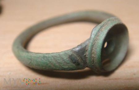 pierścionek bez kamyczka