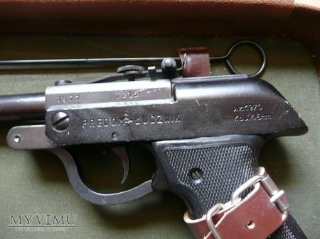 Pistolet ŁUCZNIK WZ. 70