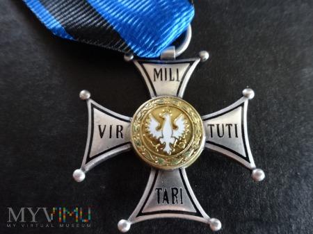 VIRTUTI MILITARI - V Klasy - kopia grawerska