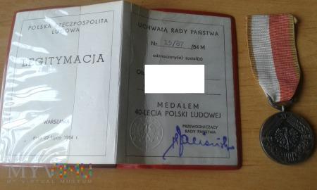 medal 40-lecia Polski Ludowej z legitymacją
