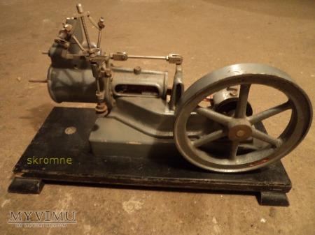 model silnika parowego w przekroju