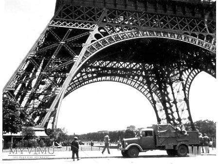 Duże zdjęcie 1940(?). Paryż II