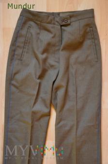 OS SR: damskie spodnie letectva