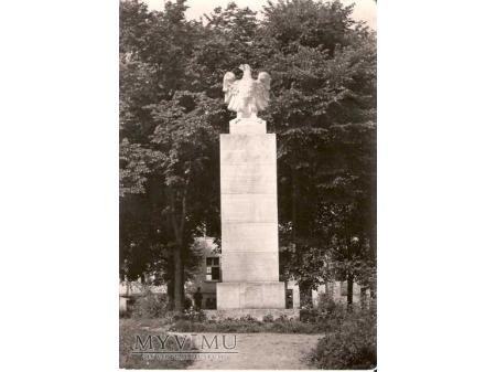 MIASTKO Pomnik.