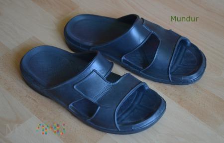 Pantofle kąpielowe wz.906/MON