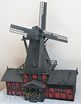 Wiatrak przemiałowy typu holenderskiego