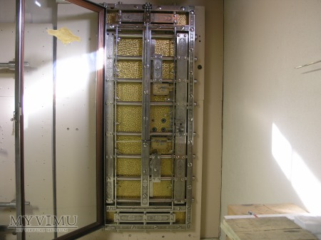 Diebold Vault Door: 1 of 4