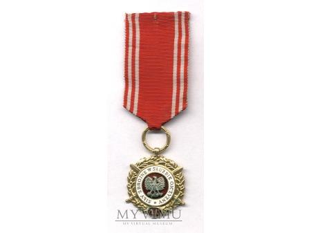 Medal Siły Zbrojne w Służbie Ojczyzny-złoty
