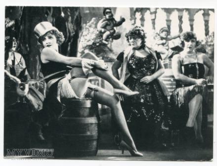 Marlene Dietrich w filmie Błękitny Anioł