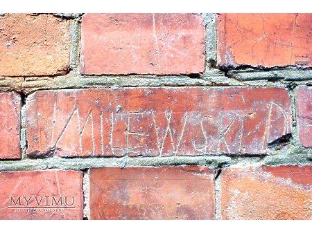 """Duże zdjęcie """"Stara Prochownia"""" - budynek A - inskrypcja #049"""
