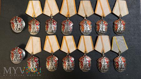 Taki sobie zbiór Orderu Honoru dawnego ZSRR