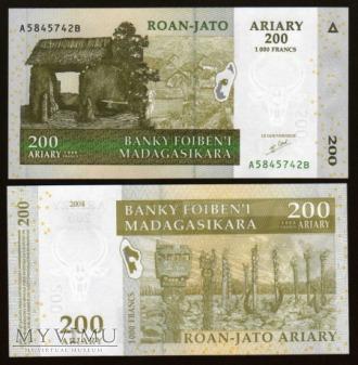 Madagascar - P 87 - 200 Ariary/1000 Francs - 2004
