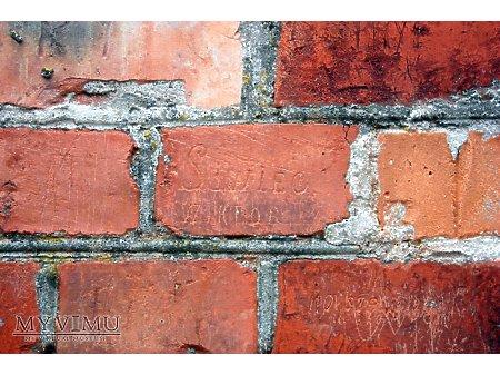 """Duże zdjęcie """"Stara Prochownia"""" - budynek A - inskrypcja #013"""