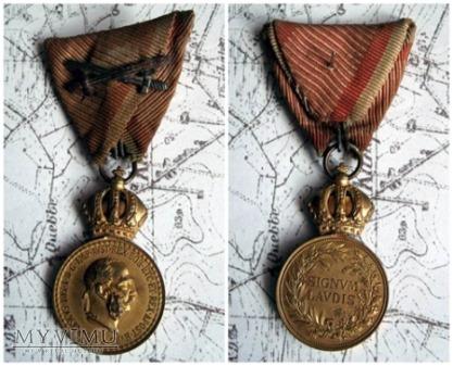 Militar-Verdienstmedaille ( Signum Laudis)