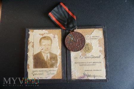 Legitymacja do Medalu Niepodległości z potwierdzen
