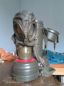 maska przeciwgazowa niemiecka z lat powojenych