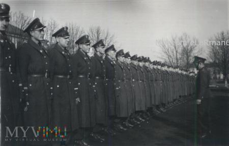 Podchorążowie za zbiórce. Przemyśl 19.02.1950r.