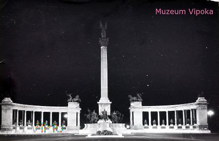 Budapeszt - Plac Bohaterów / Millenijny nocą