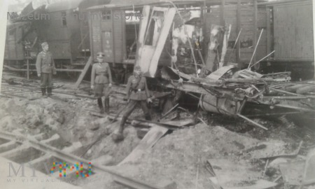 zbombardowany dworzec główny w Jarosławiu