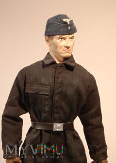 Żołnierz personelu naziemnego (mechanik silnikowy)