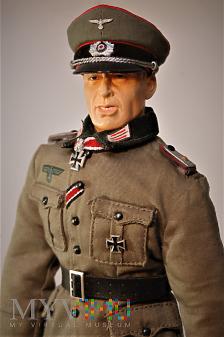 Oberleutenant (porucznik) artylerii.
