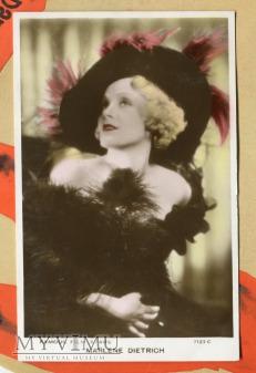 Marlene Dietrich Valentine's postcard 7123c