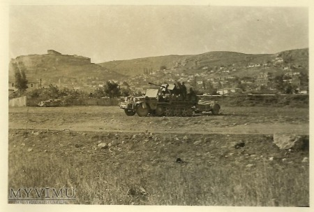 FlaK 38 na ciągniku