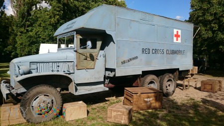 GMC CCKW 353 Red Cross Clubmobile