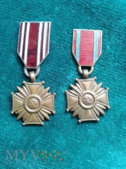 Miniaturki Krzyży Zasługi PRl