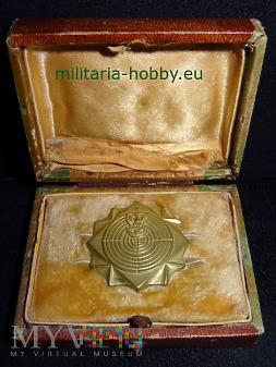 Odznaka strzelecka w pudełku