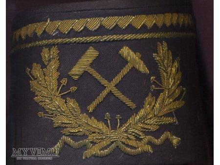 Haftowany emblemat na czako