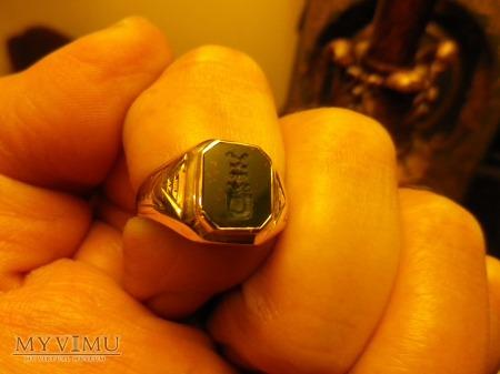Herb Nowina- sygnet pieczętny złoty