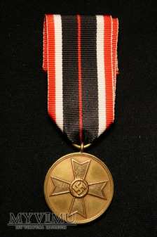 Medal za zasługi z kopertą.