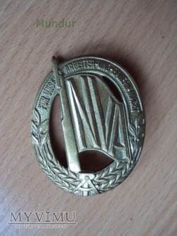 NVA: odznaka za dobrą pracę