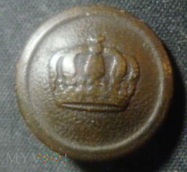 Guzik pruski z koroną ,sygnowany O.K