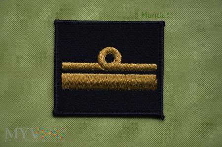 Dystynkcje MW - komandor podporucznik