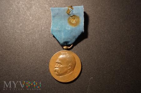 Duże zdjęcie Medal Dziesięciolecia Odzyskania Niepodległości