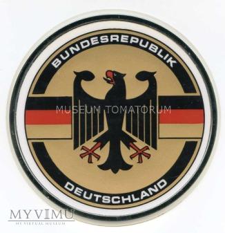 Tabliczka z barwani i godłem Niemiec